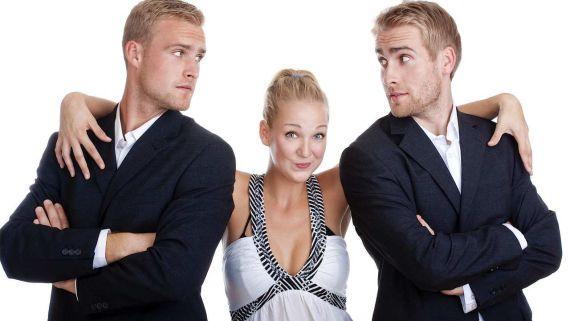 двое мужчин и одна девушка фото