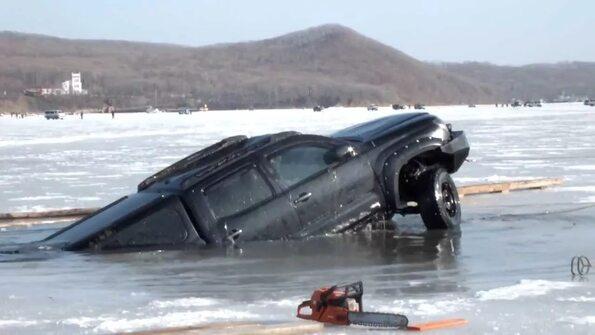 ушел под воду вместе с лодкой