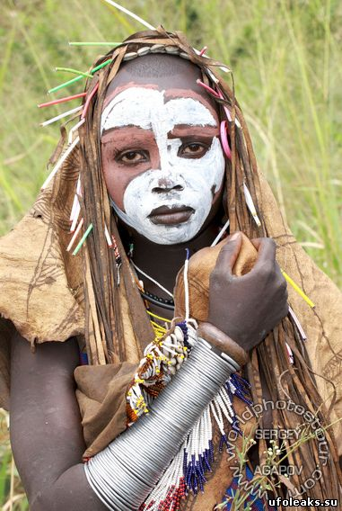 Голые африканские девушки дикие племена посетила