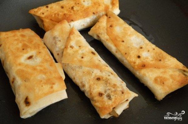 Пирожки из лаваша с картошкой на сковороде