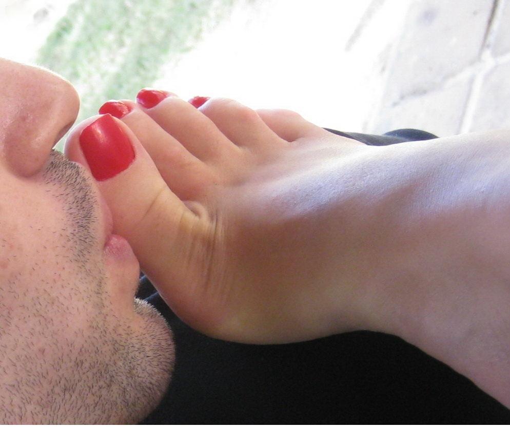 Парень любит мои ноги я люблю свои ноги тому