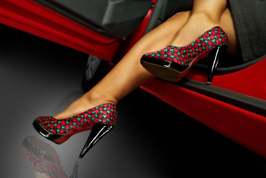 врага картинки машин с женскими ногами лет мной следят