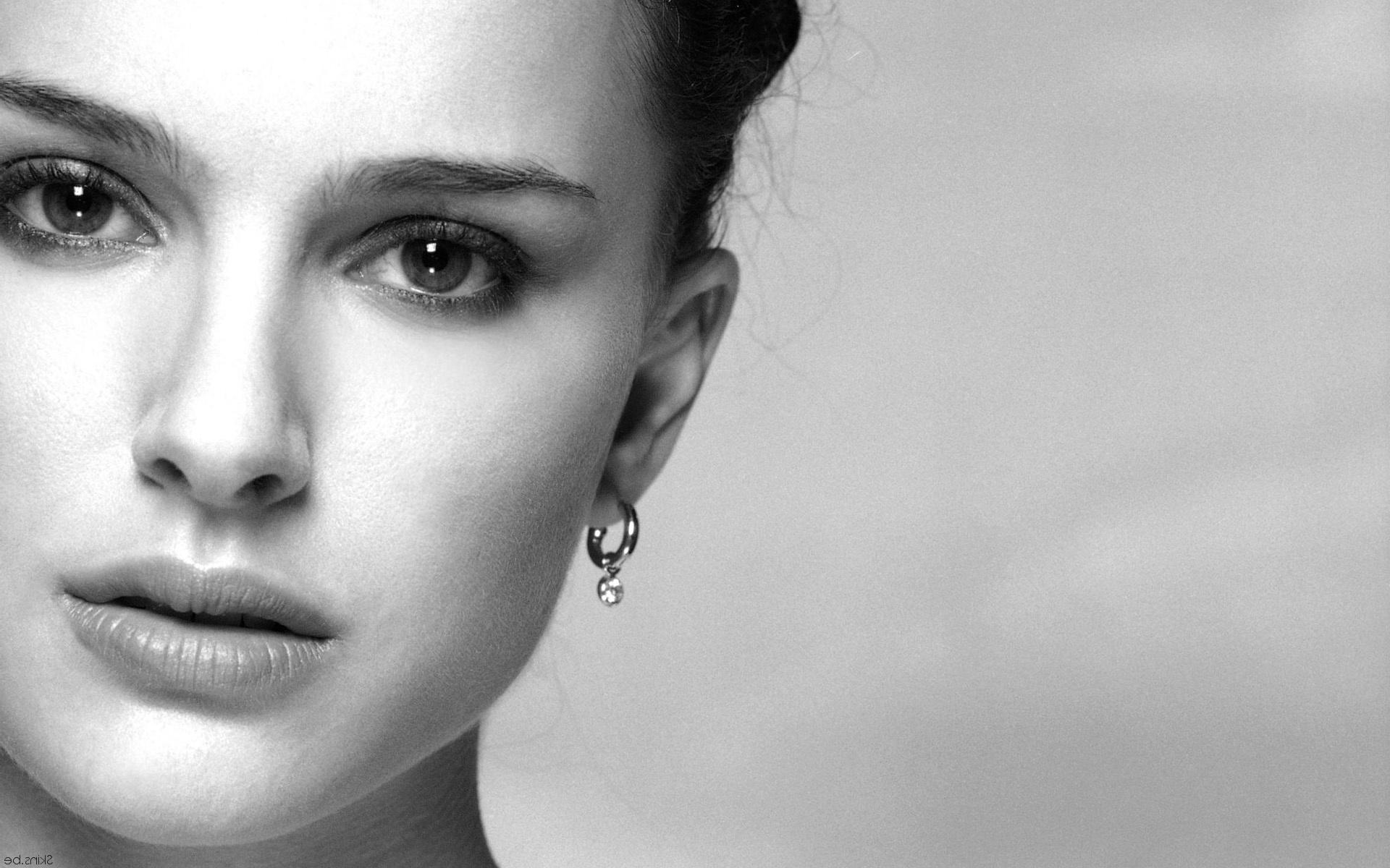 Как сделать выразительные глаза в чб фотографии
