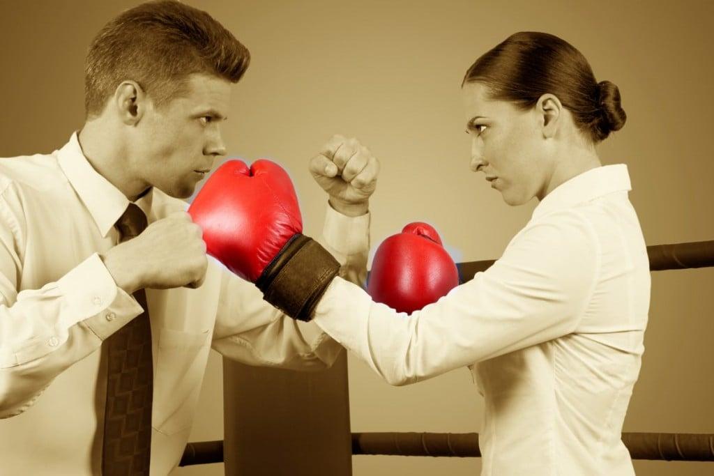 любительская борьба между женщиной и мужчиной